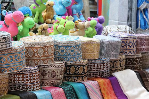 A market in Oman's capital Muscat (credit: Luca Nebuloni via Flickr)