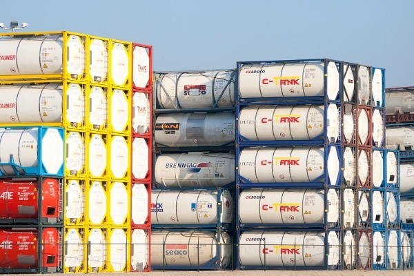 Bulk chemical containers